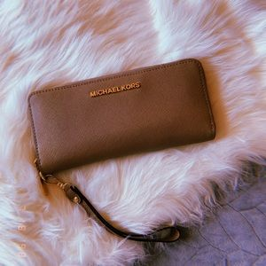 Michael Kors Wallet.